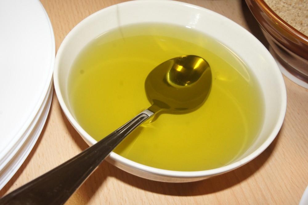 32. Polievka kvalitného oleja (sézamový, slnečnicový, olivový) za studena lisovaného zlepší chuť uvarenej ryže.