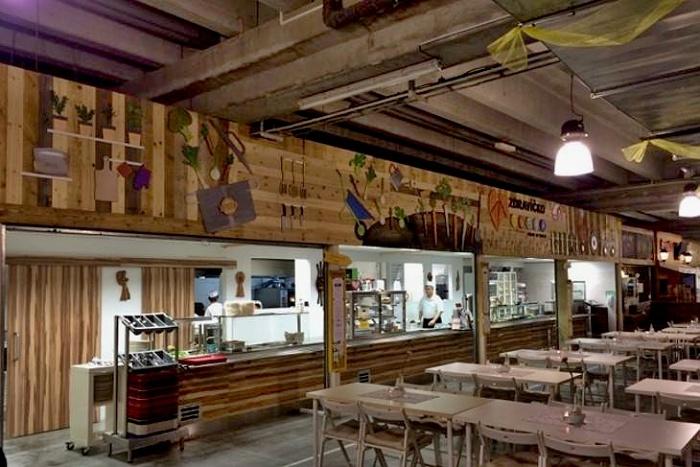 006_Budova bývalého Freshmarketu (Stará Ikea)